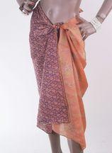 Zijden pareo met bloemen en druiventros patroon in paars-oranje