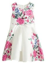 Gebloemde jurk met knoop